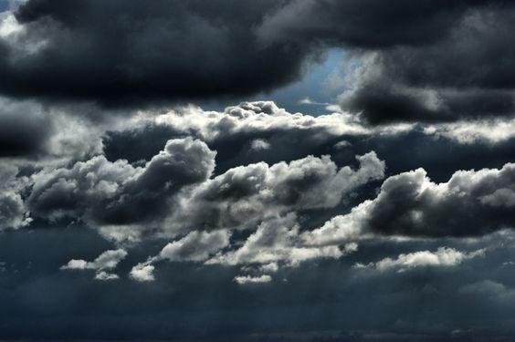 http://cdn2.irishviews.com/irishviews-cdn/dark-clouds5.jpg
