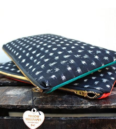 Black-and-white-ikat-clutch-1383927368