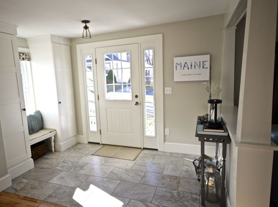 Cottage dining rooms Foyers and Benjamin moore colors on