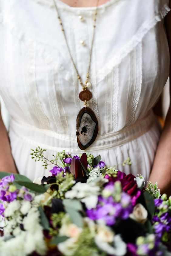 Agate slice, geode necklace, gold chain, boho jewelry // Lillian Prince Photography