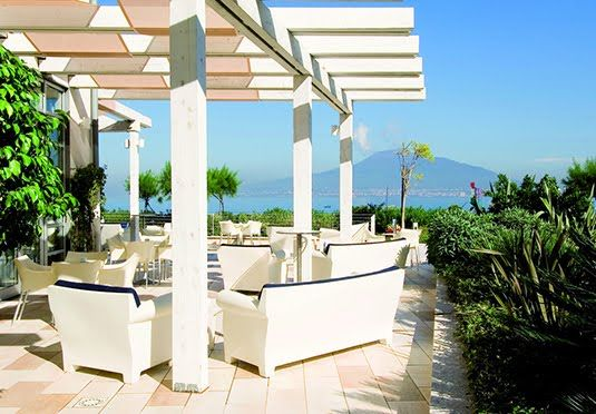 A four-star hotel on the Bay of Naples seafront with spectacular views of Mount Vesuvius