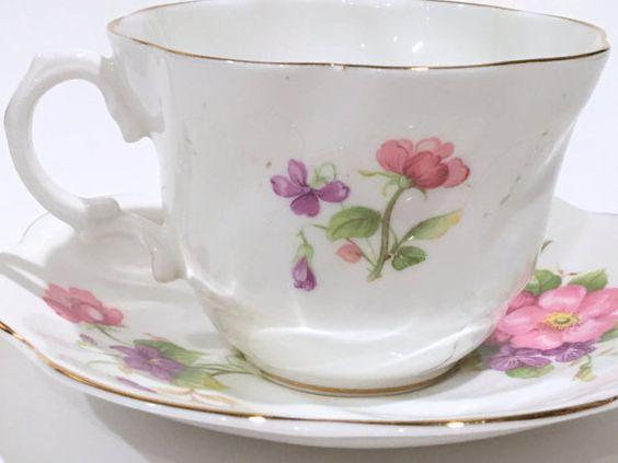 Antigua taza de té y plato tazas de té inglés por AprilsLuxuries