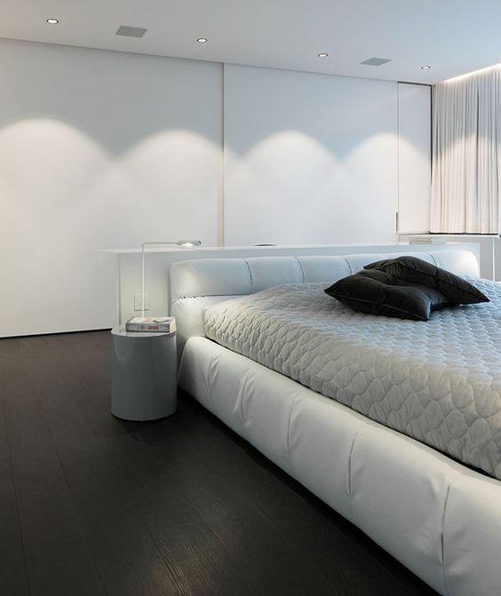 maison moderne design intrieur contemporain chambre blanche lit bb italia tufty - Maison Moderne Blanche