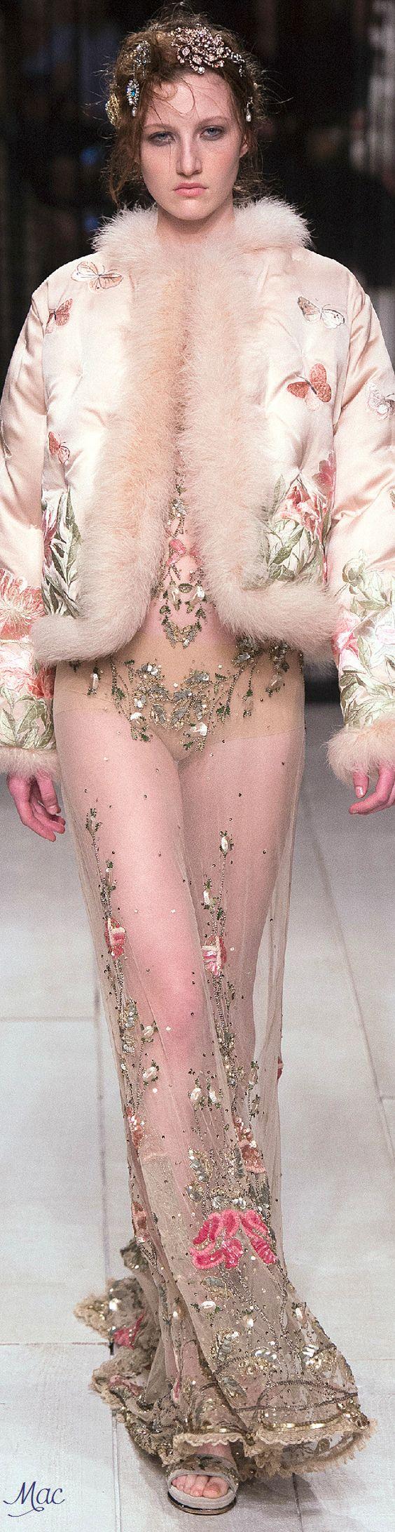 Fall 2016 Ready-to-Wear Alexander McQueen