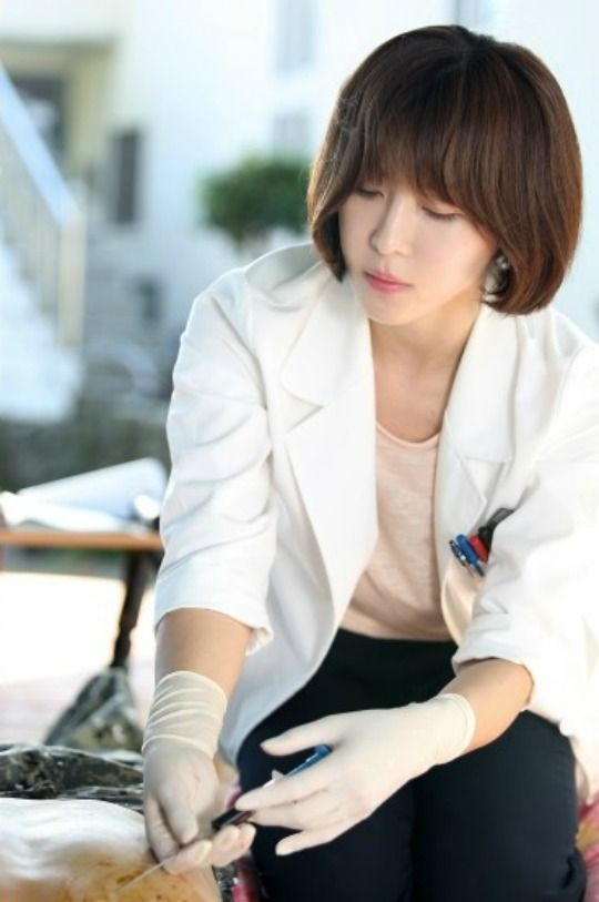 Ha Ji-won becomes a surgeon onboard the Hospital Ship » Dramabeans Korean drama recaps