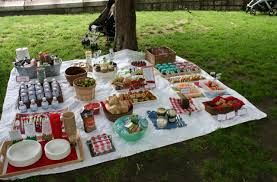 Resultado de imagem para como organizar um picnic infantil