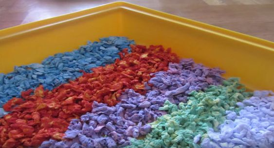 DIY Colored Hamster Bedding - petdiys.com