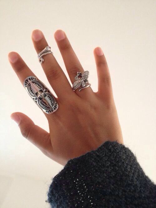 Love the knuckle ring