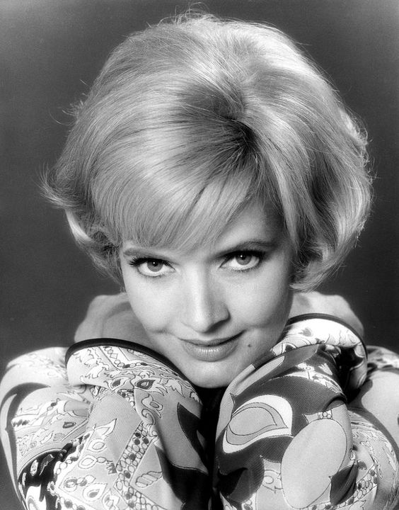 <p>UNITED STATES – SEPTEMBER 26: THE BRADY BUNCH – Florence Henderson gallery – Season One – 9/26/69, Carol (Florence Henderson), a widow with three daughters, wed a widower with three sons., (Photo by ABC Photo Archives/ABC via Getty Images) </p>