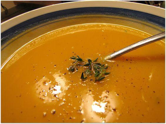 BEHOLD THE METATRON: Butternut Squash Soup...    Recipe:  http://www.beholdthemetatron.com/2011/01/butternut-squash-soup.html