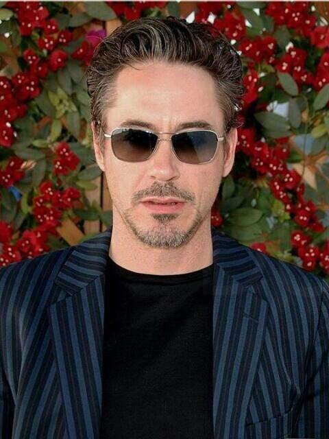 Hermosos lentes, saco y Robert Downey Jr Outfit celebridades. Que visten los famosos #Celebridades #Moda
