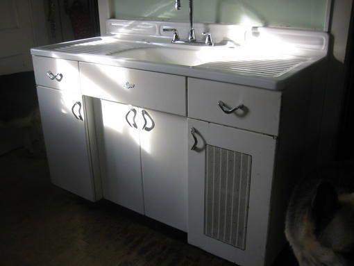 Vintage Kitchen Youngstown Metal Sink Base 1940 S Vintage Kitchen Sink Metal Kitchen Cabinets Metal Sink