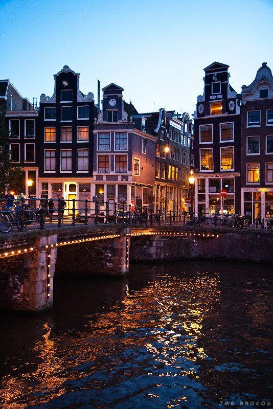 Amsterdam by night: