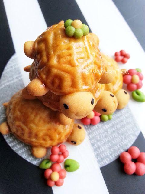Wan Wan Tea: Doll Shou turtle cake Chinese Mooncake Biscuit