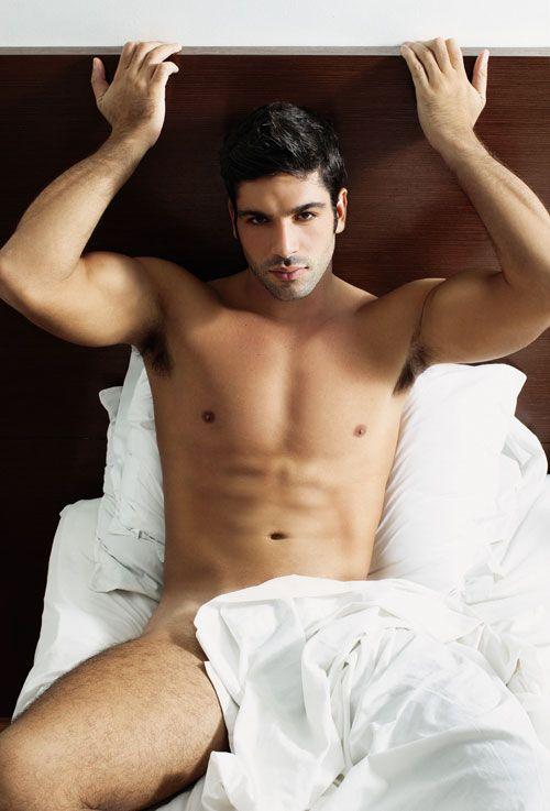 #GatodeNOVA O Cadu já está todo gostoso e prontinho na cama. Você vai deixa-lo esperando?