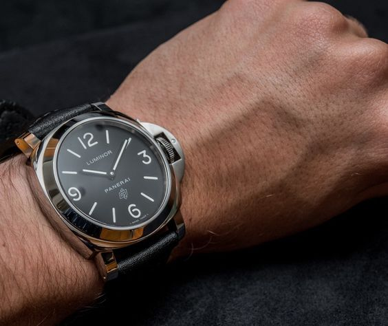 Panerai-Luminor-Marina-PAM000-aBlogtoWatch-4.jpg (860×724)
