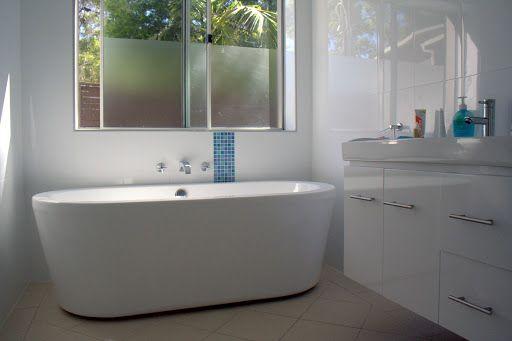 Vrijstaand bad trappen pinterest - Zwarte hoek bad ...