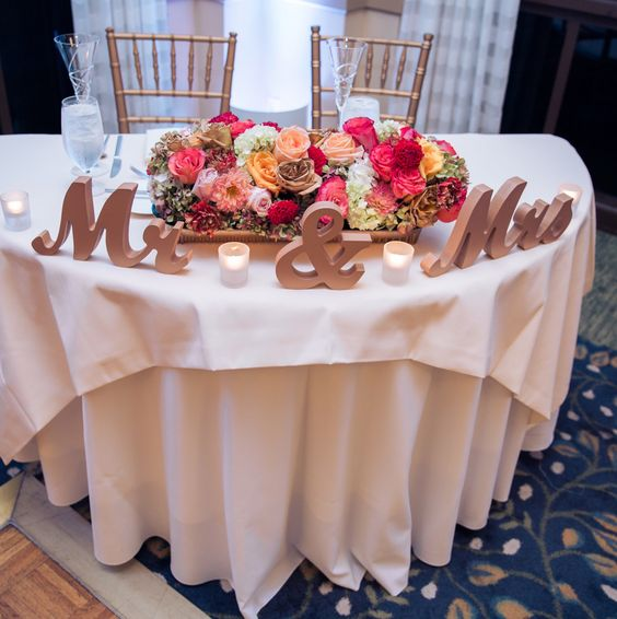 Wedding Gift Table: Sweetheart Table Decor, Mr Mrs Sign And Mr Mrs On Pinterest