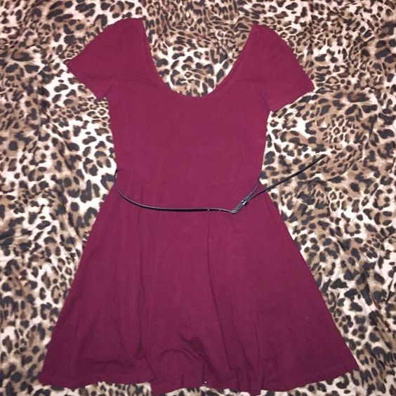 Forever XXI Maroon Cotton Dress with Belt Maroon cotton dress with black leather belt. Forever 21 Dresses Mini