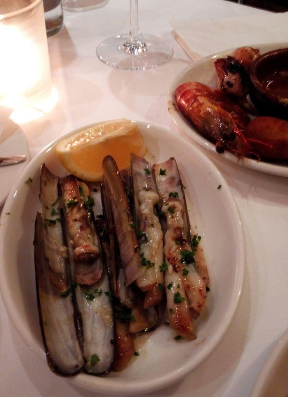 Schwertmuscheln im Picasso in Hamburg. Lust Restaurants zu testen und Bewirtungskosten zurück erstatten lassen? https://www.testando.de/so-funktionierts