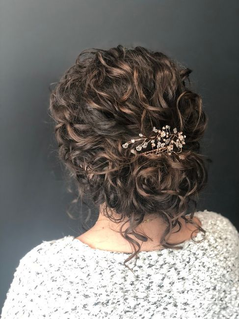 Wedding Hair In 2020 Curly Hair Styles Curly Hair Styles Naturally Curly Bridal Hair