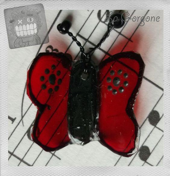 Mini papillon rouge translucide et noir : Décorations murales par la-gorgone