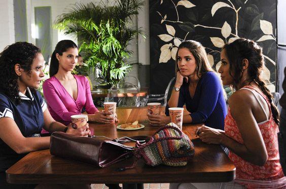 Judy Reyes, Roselyn Sanchez, Ana Ortiz, Dania Ramirez dans Devious Maids