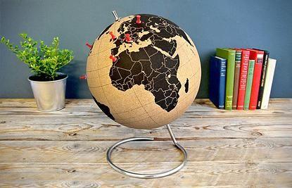 UN GLOBE EN LIEGE  | CADEAUX POUR VOYAGEURS Élément