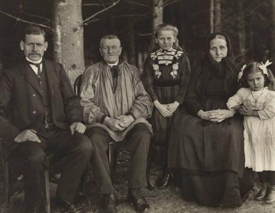 'Die Familie in der Generation', 1912