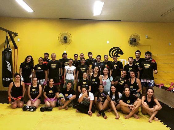 """""""Nunca é tarde para tentar o desconhecido. Nunca é tarde para ir mais além"""". Vem pra Yellow você também.  Escolha o melhor horário para você e faça uma aula sem compromisso!  #yellowthai #muaythai #muaythaicuiaba #muaythaigirls #mthai #muaythaiverdadeiro  #jiujitsu #bjj #jiujitsubrasil #centro #capital #goiabeiras #saude #centro #arenapantanal #training #lowcarb #jiujitsugirls #cuiabana #artemarcial #thalesevicente #diogomelo #farmaciaapispharma #atacadaodosuplemento by yellow_thai"""