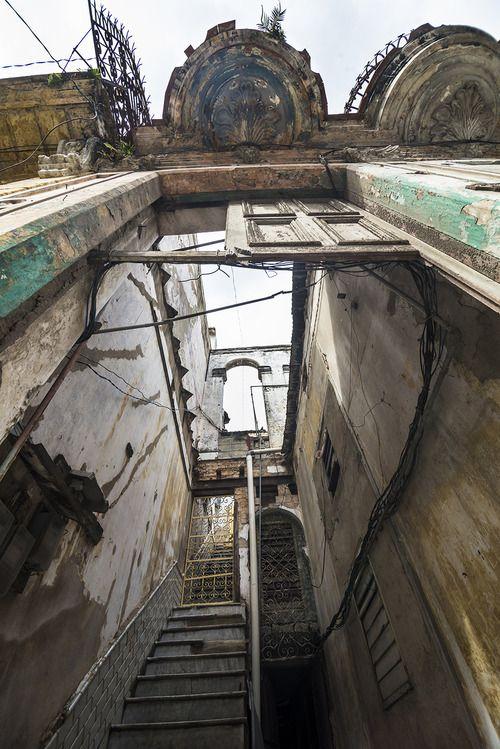 Inside La Habana, Cuba 03-2013 Copyright © Yuri Segalerba,