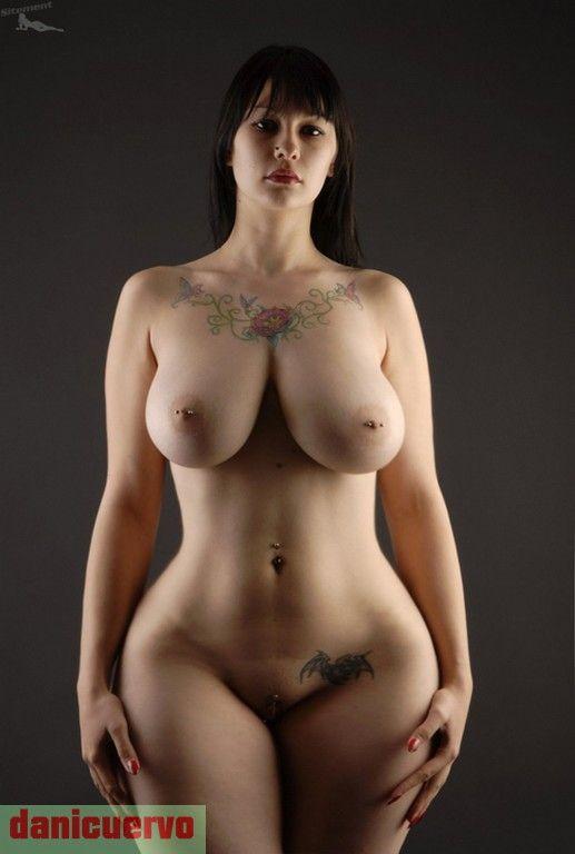 美しい裸の少女たち