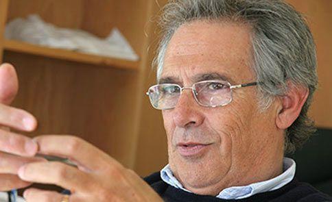 Notícias Sobrinho Simões reconhecido como o melhor patologista do mundo!   - Europacolon Portugal - Apoio ao Doente com Cancro Digestivo