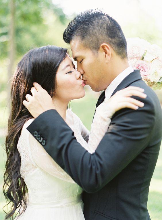 Photography: Heather Hawkins - www.heatherhawkinsphoto.com/  Read More: http://www.stylemepretty.com/2015/03/16/elegant-pastel-wedding-in-mansfield-texas/