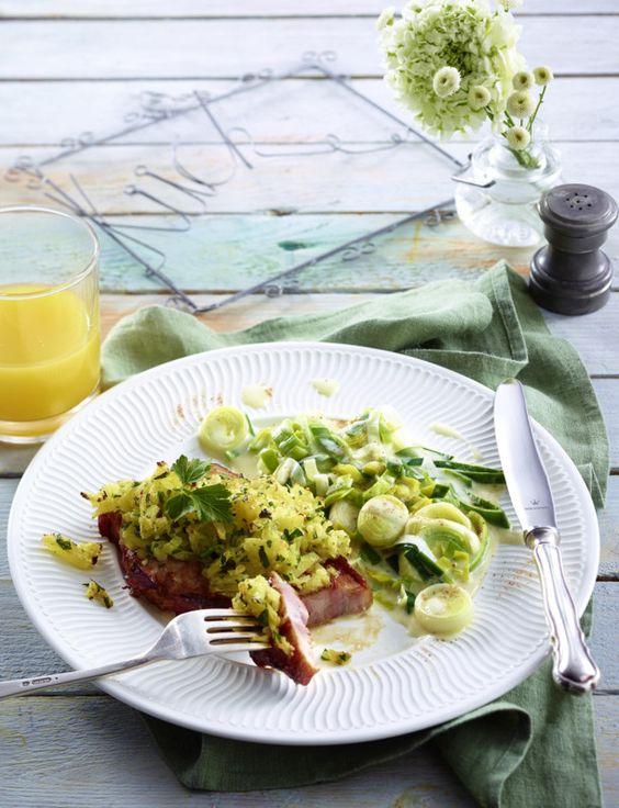 Unser beliebtes Rezept für Kasseler-Steak zu Porree-Rahmgemüse und mehr als 55.000 weitere kostenlose Rezepte auf LECKER.de.