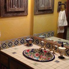 Ba os peque os estilo mexicano buscar con google casas for Azulejos estilo mexicano