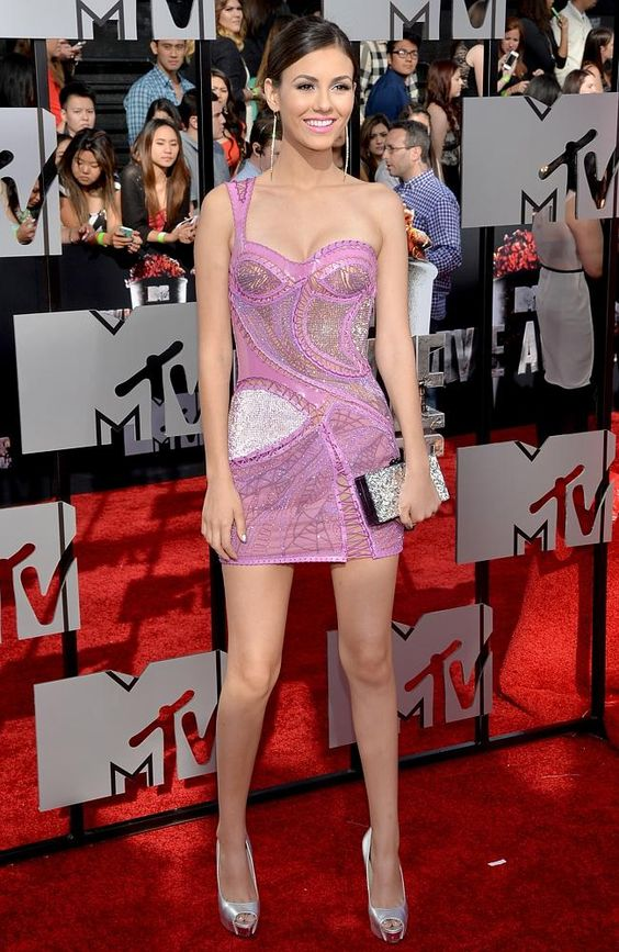 Actress Victoria Justice attends the 2014 MTV Movie Awards