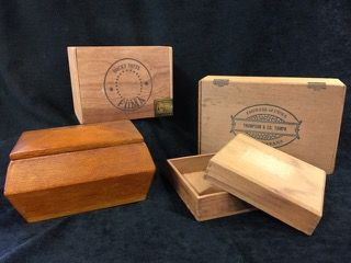 NICE LOT OF WOOD CIGAR BOXES INCLUDING A ROCKY PATEL FUMA BOX, A THOMAS & CO. BOX, AND MORE