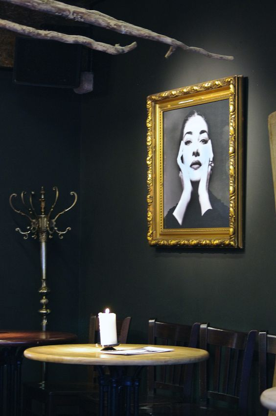 Tosca en un bar de Gante