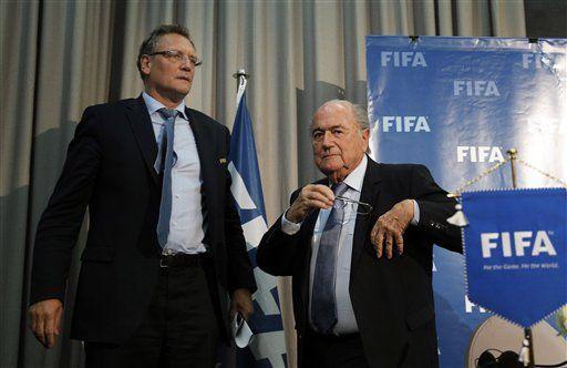 Blatter vuelve a la FIFA para apelar su sanción de 8 años - http://a.tunx.co/Es1o0