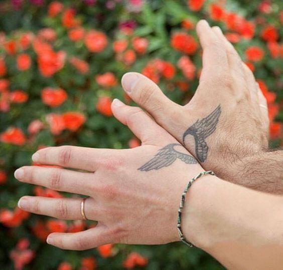 Tatuaggi di coppia: quando l'amore e l'inchiostro sono per sempre