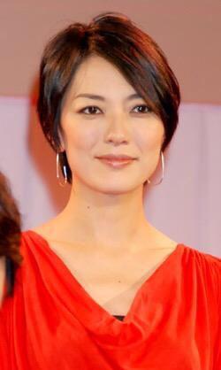 ショートヘア板谷由夏さん
