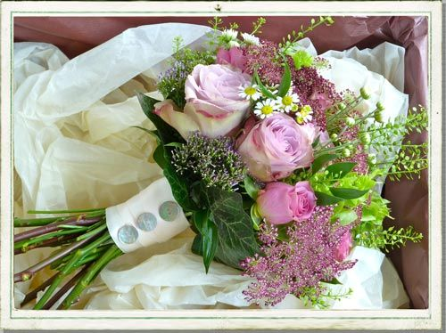 October wedding flowers in a pretty Cotswolds village | Wedding ...