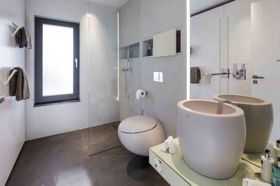 Schickes Badezimmer Mit Runder WC Keramik   Architecture   Pinterest    Schick, Badezimmer Und Keramik