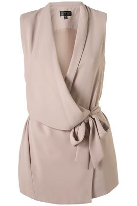 I think this would be cute to wear to work.