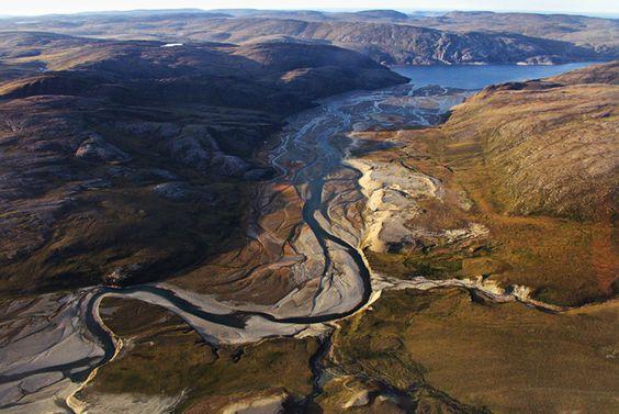 Desembocadura de un río en Kangiqsujuaq, foto de Kangiqsujuaq Adventures