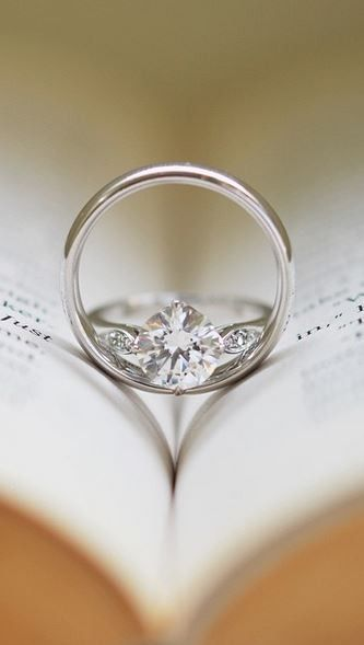 Love the beautiful detail of this sparkling diamond ring.