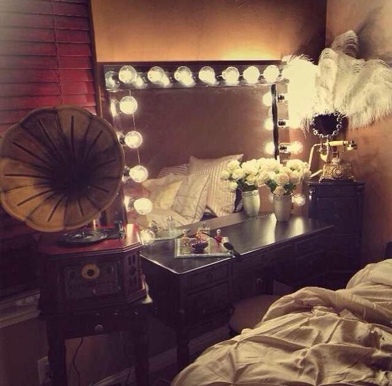 Old Hollywood Bedroom this could be either @Sabrina Majeed Majeed McHan or rossy!