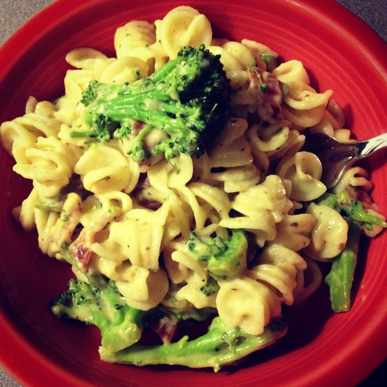mac  cheese w/ broccoli and bacon