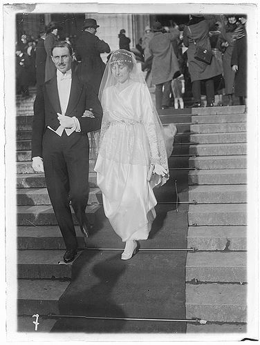 Bride and Groom at Madeleine Church Paris